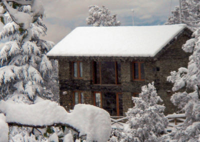 guest-house-in-winter